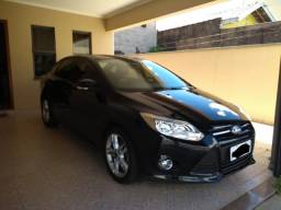 Ford Focus Sedan SE 2.0 Powershift Vendo ou Troco