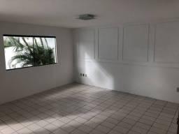 Casa para aluguel com 280 metros quadrados com 3 quartos em Maurício de Nassau - Caruaru -