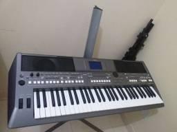 Teclado s670 Yamaha