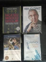 Box de livros de empreendimento e finanças
