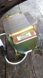 Transformador 110v/ 220v - Para aparelhos de até 3000 watts