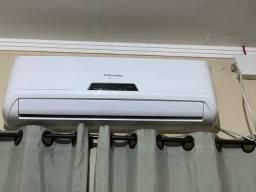 Vende-se Ar condicionado Eletrolux 12.000btus