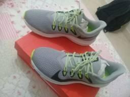 Tênis Nike Quest 2