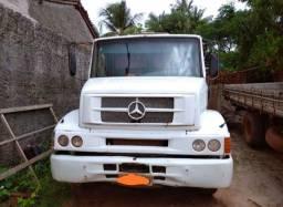Caçamba basculante Mercedes