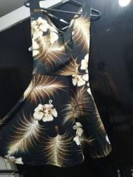 Vestido NOVO c/ detalhe nas costas