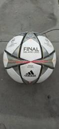 bola champions league final milano(2016)