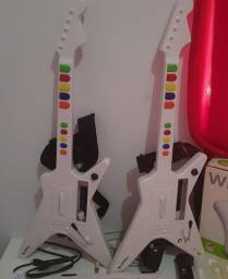 2 Guitarras nitendo WII na caixa