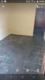 Barracão 1 quarto, cozinha e banheiro