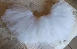 Saias de tule nas cores branca e lilás