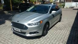 Ford Fusion Hybrid - 2015