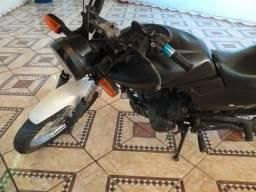Vendo moto traxx - 2012