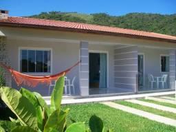 Casas para temporada na praia do Siriú- Garopaba-SC