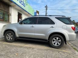 Carro Hilux SW4