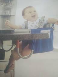 Cadeira alimentação encaixa na mesa. Tutti Baby