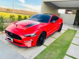 Mustang GT apenas 8 mil km