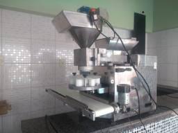 Máquina de Fazer Salgados Industrial