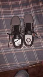 Sapato da marca GLLIE, masculino. / tamanho 39/40