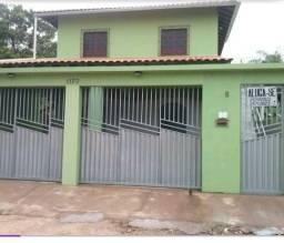 Casa com três quartos perto da prefeitura