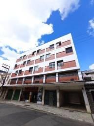 Apartamento com 3 quartos para alugar, 79 m² por R$ 1.200/mês - Centro - Juiz de Fora/MG
