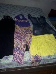 Vendo um vestido um macacão jeans novo um short conjunto de malhar cada peca 5 reais