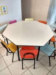 Mesa infantil oitavada