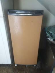 Freezer vertical gelando muito bem