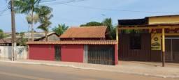 Alugo Casa 900