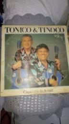 LP de vinil tônico e Tinoco