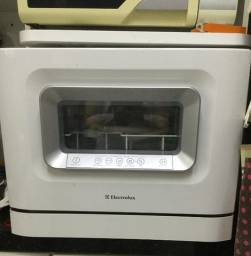 Lava-louças Electrolux Minha Escolha 6 Serviços. Usada, funcionando, em ótimo estado