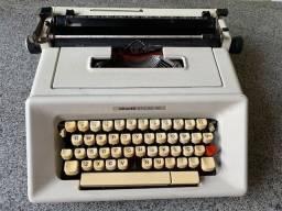 Máquina de datilografia - Olivetti Studio 46