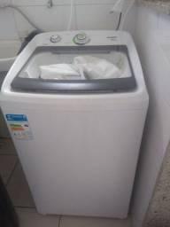 Máquina de lavar cônsul.