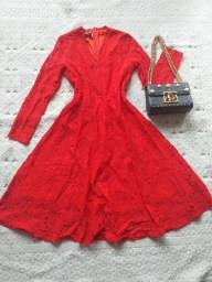 Vestido Vermelho em Renda