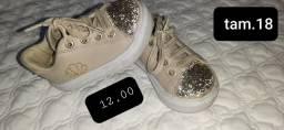Roupas e sapatos 6-12 meses