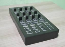Controlador dj Behringer midi cmd dv-1