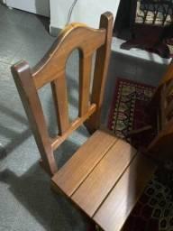 Mesa de janta Madeira pura 6 cadeiras