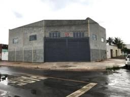 Alugo Galpao - com área de 437,50 m2 energia trifásica