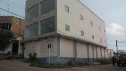 Aluga-se otimo imóvel comercial, no KM 7, R$2.000,00, com 230 metros quadrado