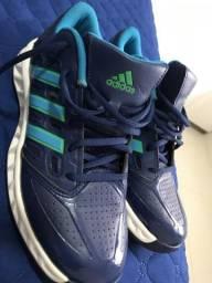 Tênis adidas 40