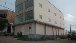Aluga-se otimo imóvel comercial, R$2.000,00, no KM 7, com 230 metros quadrado