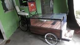 Vendo triciclo customizado para lanche ou doces