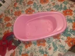 Vendo banheira carrinho de bebê berço colchão guarda-roupa tudo novo