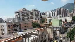 Apto. 3 dormitórios, 120 m² próximo a Praça Saens Pena