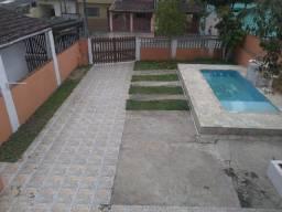 Sobrado lindo e com piscina em Itanhaém