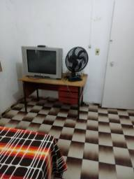 Alugo quarto mobiliado 480 reais