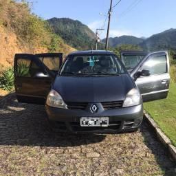 Vendo um Renault Clio sedan