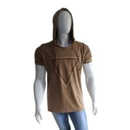 Camiseta Estonada com Capuz
