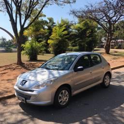Peugeot 207 XR 1.4 Muito Novo