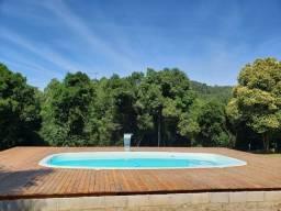 Chácara com piscina  7 km do centro