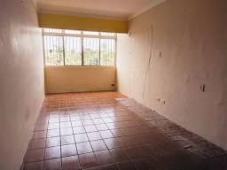 Apartamento com 2 quartos para locação em Candeias