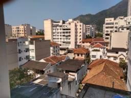 Vende-se prédio residencial - Tijuca/RJ
